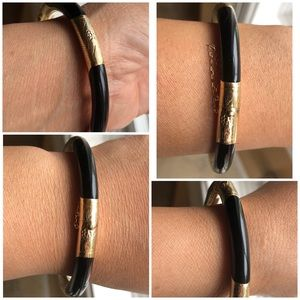 14KT Yellow Gold Onyx Etch Design Bangle Bracelet